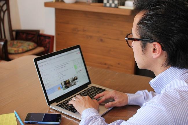Googleマイビジネスに会社情報を登録している宮井さん